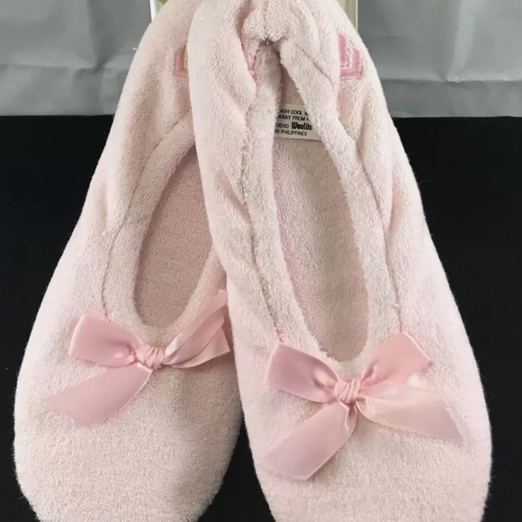 Isotoner Classic Terry Ballerina Slippers SZ L